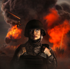 Señora_modelando_en_la_guerra-1.jpg