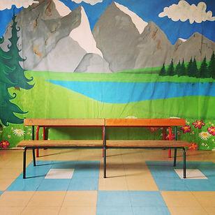 Fond photo de groupe scolaire paysage montagneux