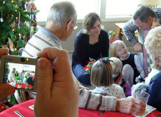 Holiday Celebrations with Dementia: Keep It Simple