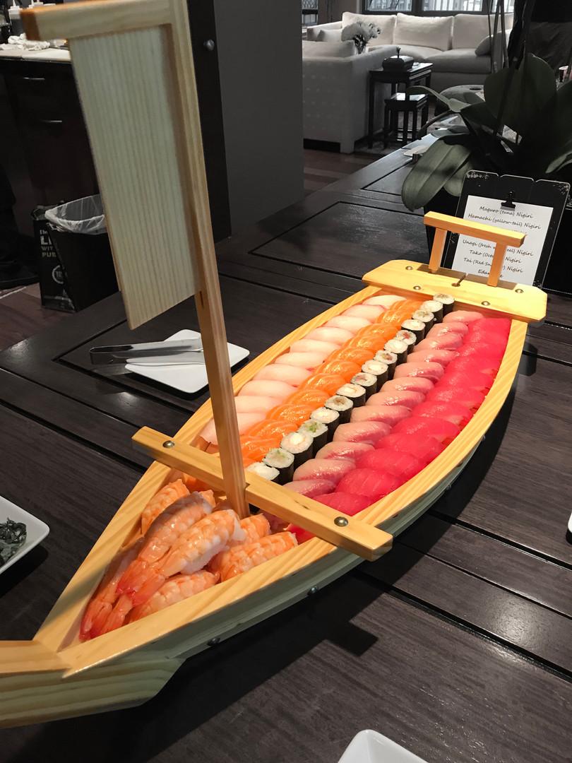 Nigiri sushi boat
