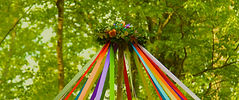 Maypole_wreath.jpg