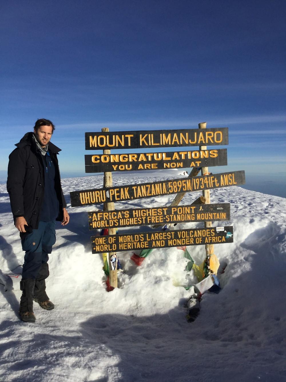 Lucas Evangelista Kilimanjaro submit, from dark to light