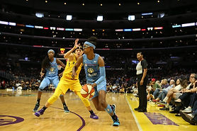 Diamond DeShields is defending the strong-side corner when the Chicago Sky force a turnover. By the time Courtney Vandersloot hits her with a lead pass, she's at half court.