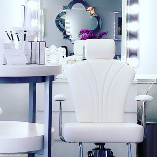 Freda's Skin Studio Brow Chair