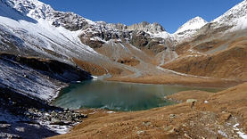Lac blanc 2434 m.jpg