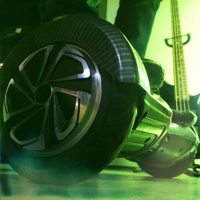 _uwheelseu in da house! So much fun at the shoot! #shelfordplacestudios #uwheels #carbon #cool #back