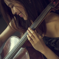 Charming _yoonkyung_cellist by _aiga_ozo was great having you _sps_london #aigaozophotography #studi