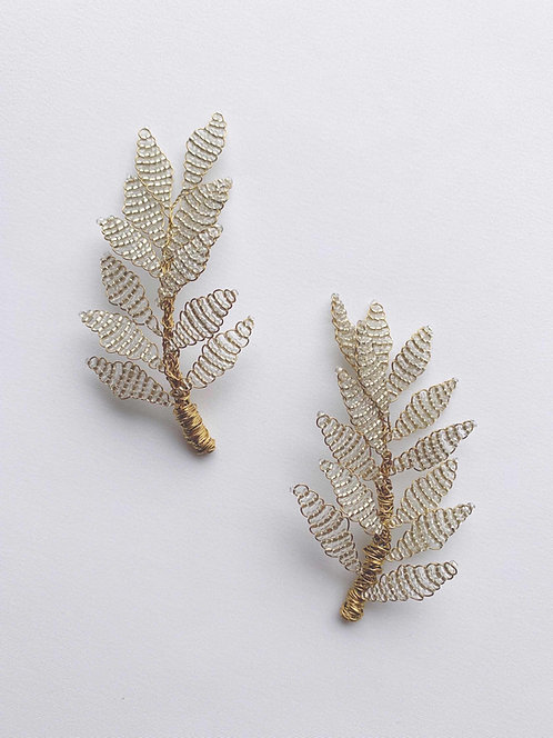 Beaded hair clips in gold