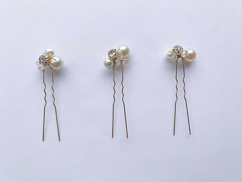 Luxury hair accessories for brides in the UK