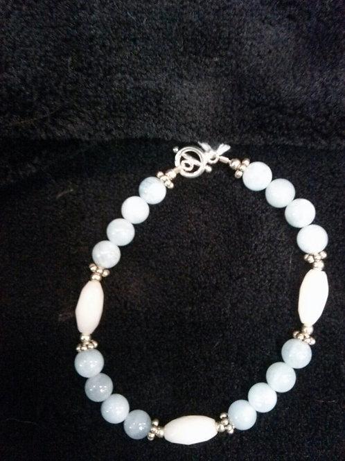 Aquamarine and Snow Quartz bead Braclet