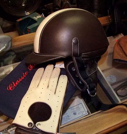 classic route prestige Cabrio Helm mit passenden Handschuhen