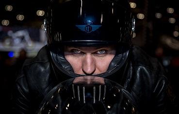 Davida Koura Motorradhelm in Fahrt