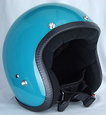Motorradhelm der Pastello-Kollektion mit Druckknöpfen ohne Aufkleber in Türkis.