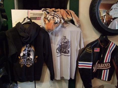 T-Shirt Motorradgarage