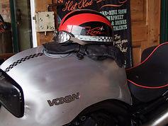 Davida Classic Halbschale Motorradhelm auf Voxan Motorrad