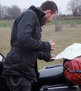 belstaff tt motorradjacke bei der Routenplanung