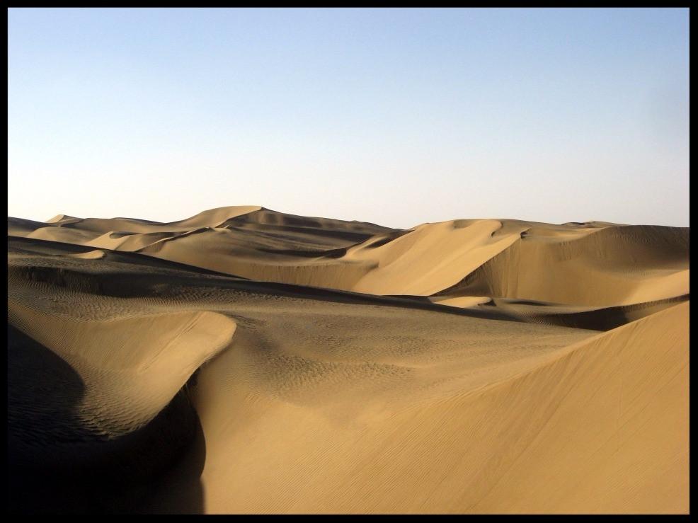 Taklamakan-Wüste; Bild von Pravit (https://commons.wikimedia.org/wiki/File:Taklamakan_desert.jpg), https://creativecommons.org/licenses/by-sa/4.0/legalcode