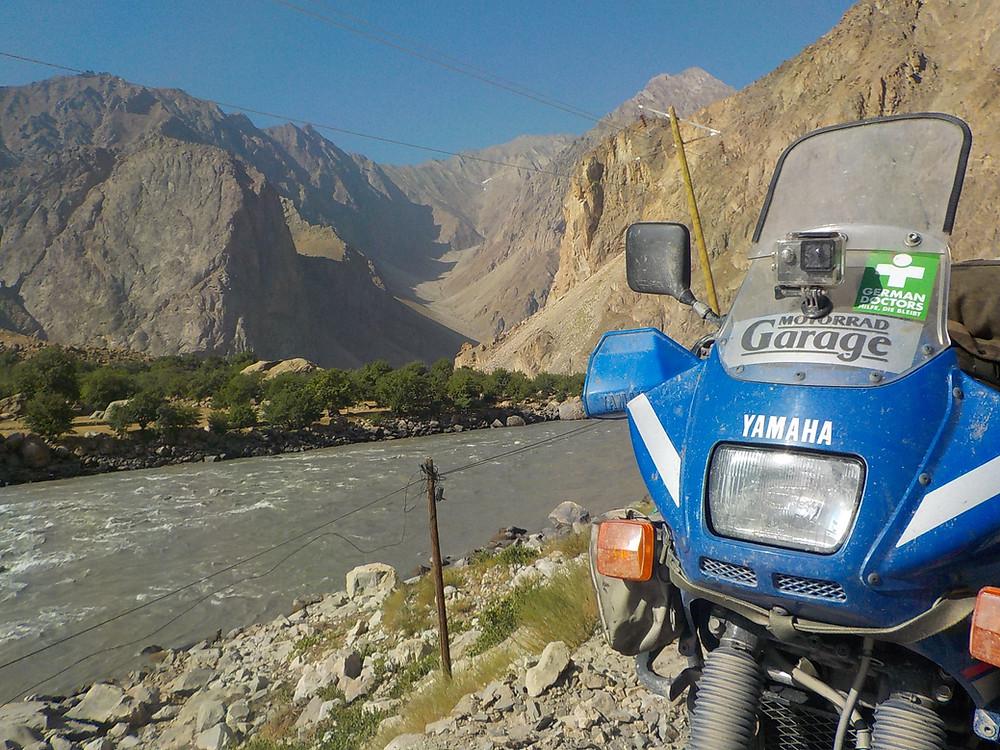Am Pamir-Highway