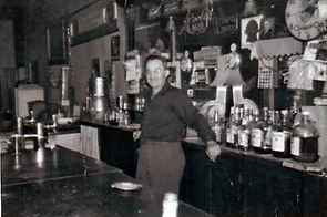 ANGELO IN THE OLD FRONTIER TAVERN_0001 2