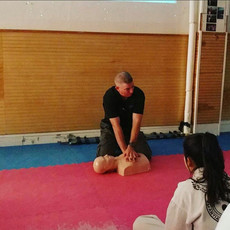 Instructor Lee, Instructing the skills