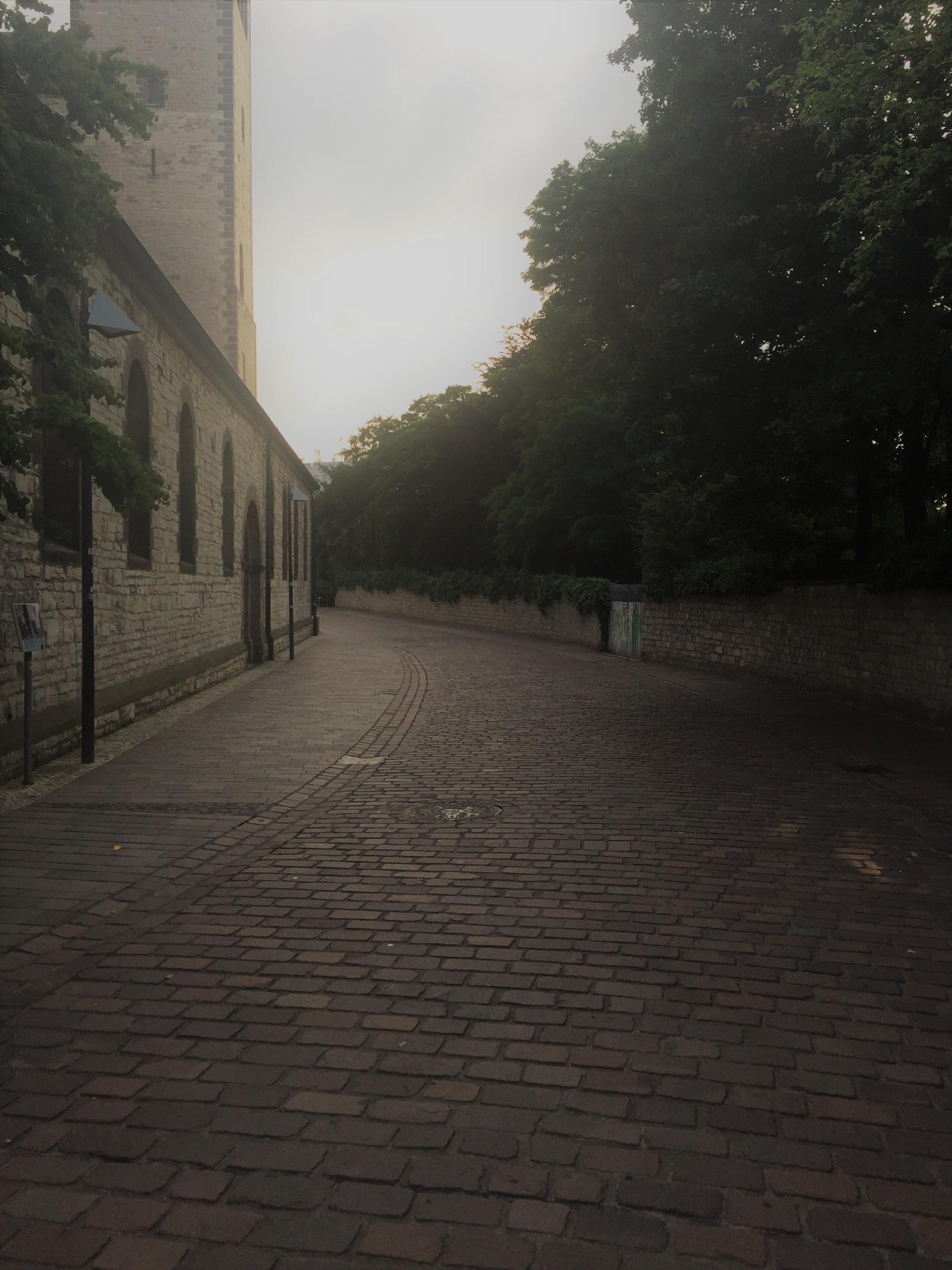 unum_walkway