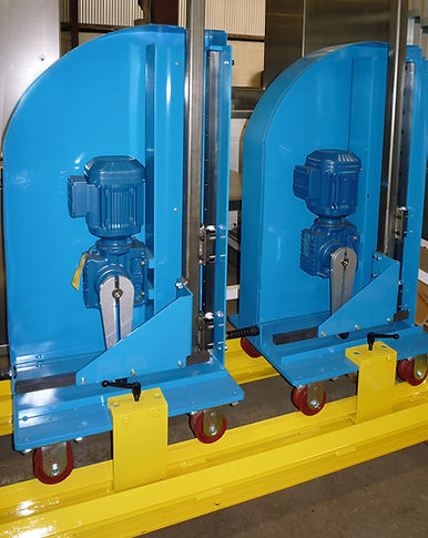Heavy-duty vertical oscillators for powder coating or dry ice blasting