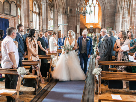 Wedding Planner Cambridgeshire Shares a Weding at Pryors Hayes in the North West