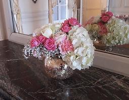 Bouquet_dans_vase_sur_cheminée.jpg