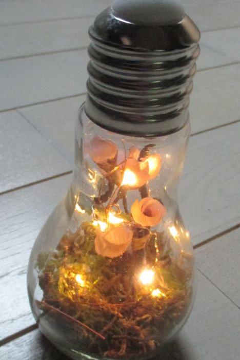 Ampoule lumineuse et décorée n°5