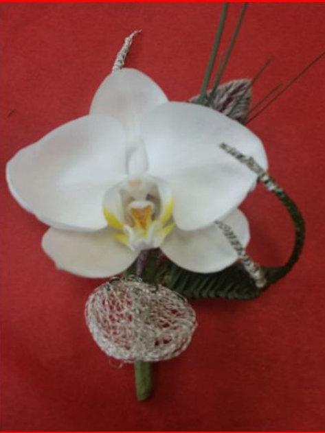 Boutonnière 2 Composée d'une Orchidée