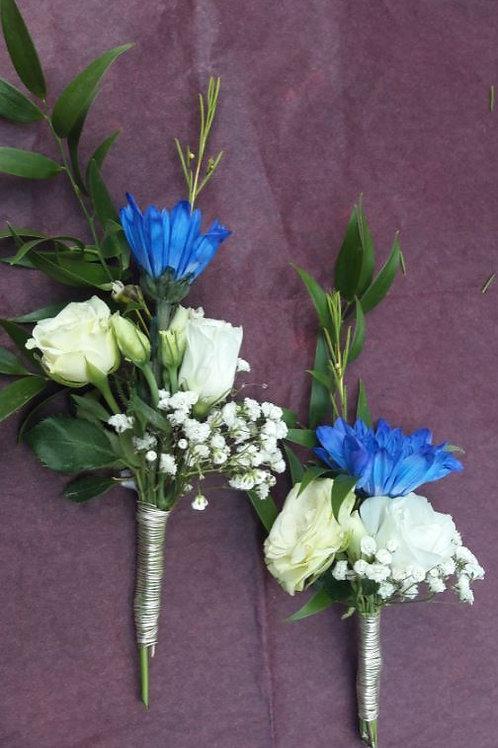 Boutonnière bleu et blanche