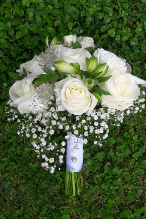 Bouquet de mariée romantique blanc