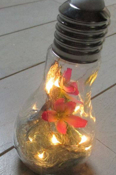 Ampoule lumineuse et décorée n°7