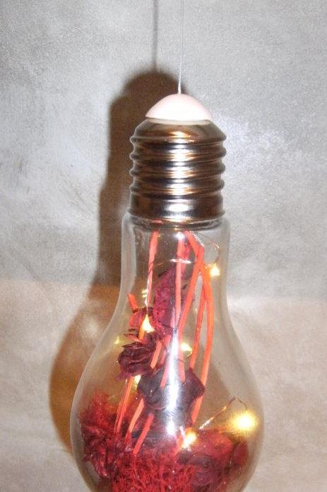 Ampoule lumineuse décoration rouge