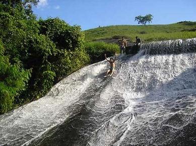 Cachoeira da Represa de Belisário, na Serra do Brigadeiro