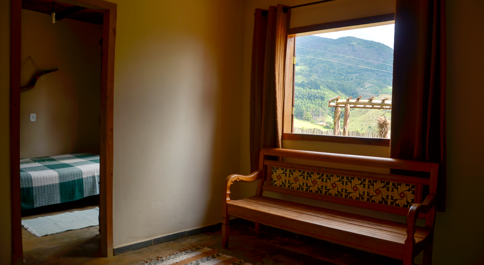 Sala com Vista para o Lago, Rancho das Pedras, Estouros, Araponga-MG, Serra do Brigadeiro