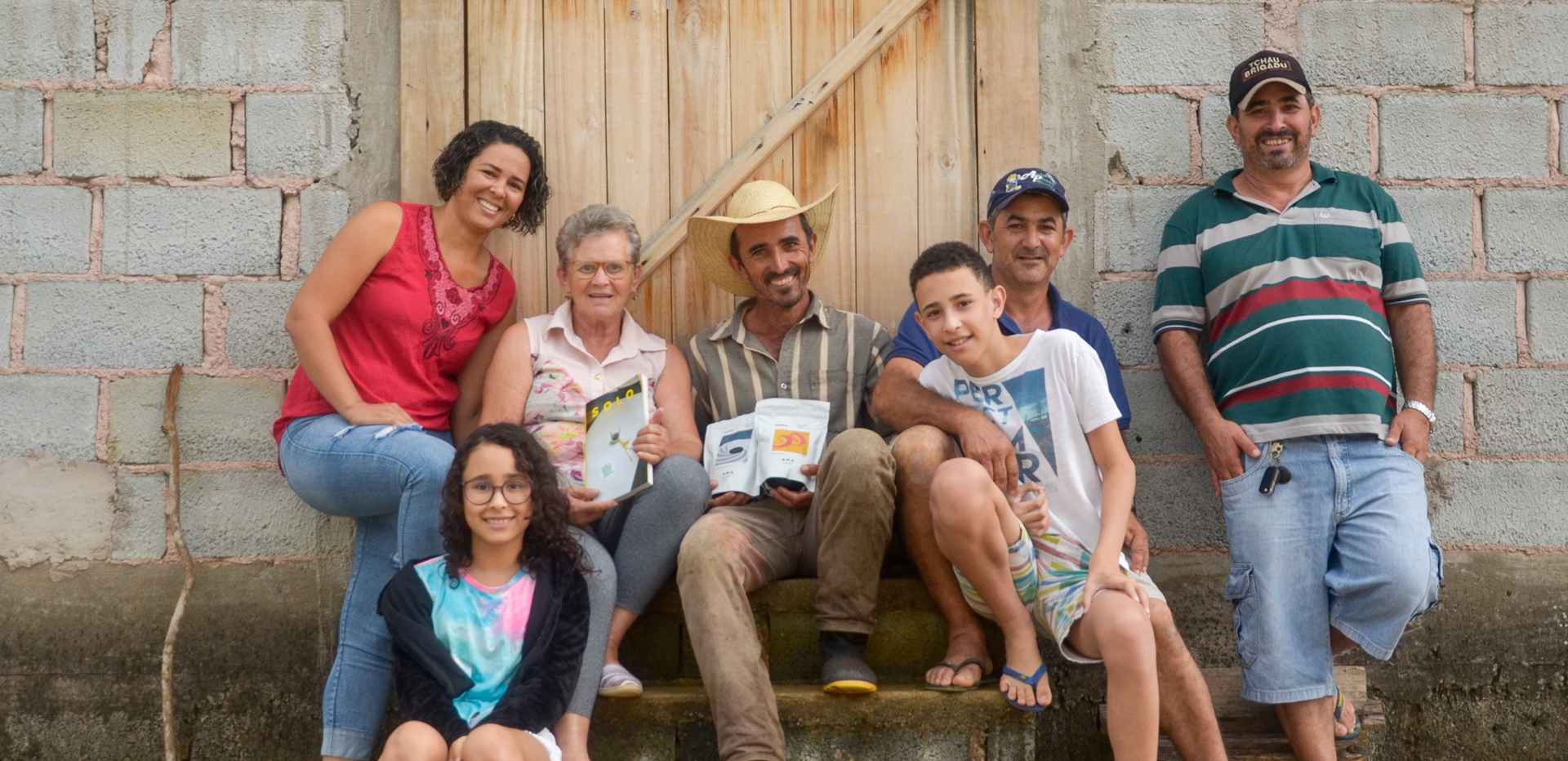 Mãe, irmãos, cunhada e sobrinhos de Edimar