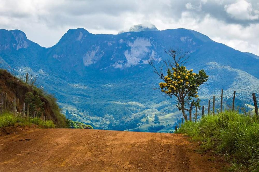Picos pela Serra do Brigadeiro