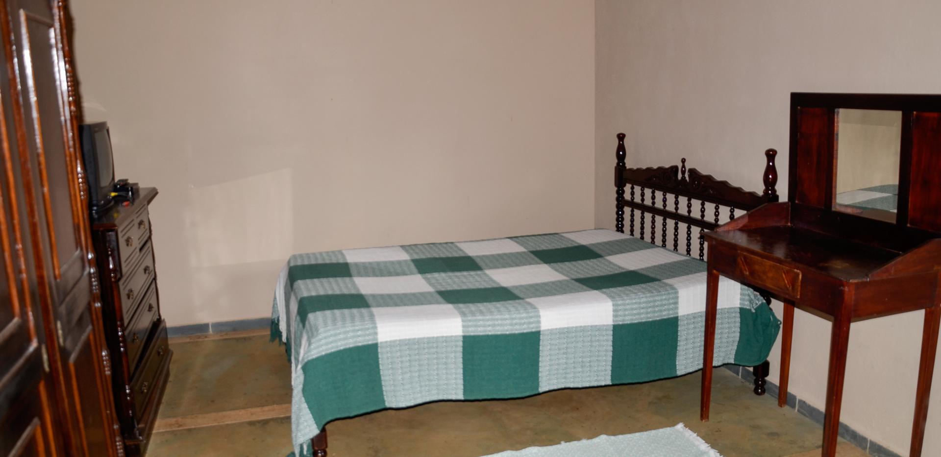 Quarto Cama de Casal e Uma de Solteiro, Rancho das Pedras, Estouros, Araponga-MG, Serra do Brigadeiro