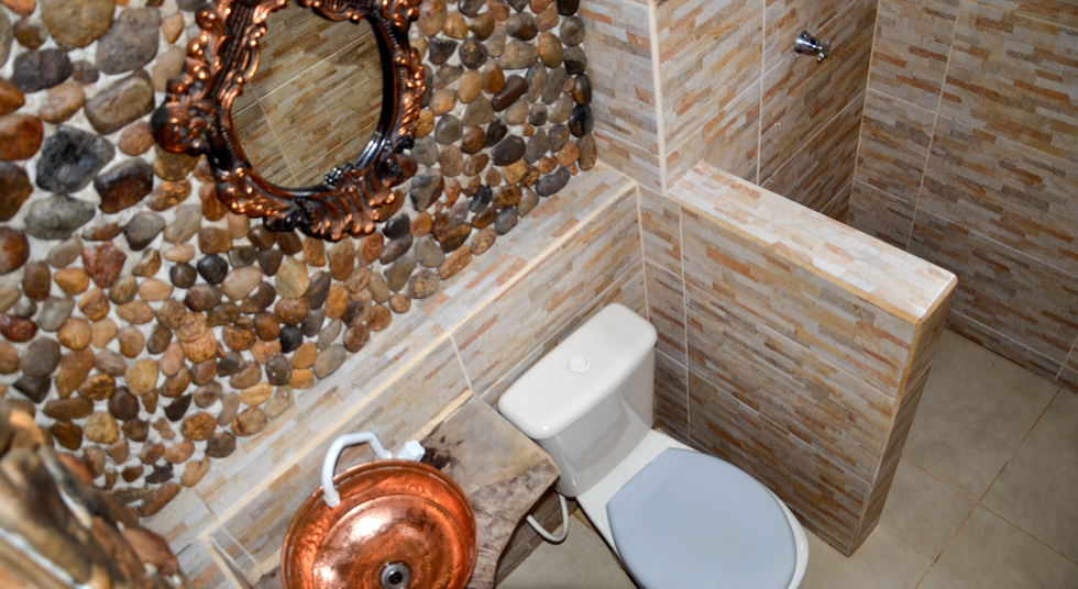 Banheiro Rancho das Pedras, Estouros, Araponga-MG, Serra do Brigadeiro