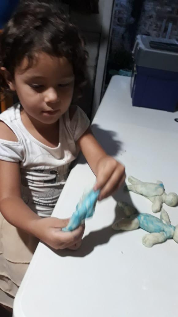 Atividades Remotas Infantil 4. Professora Cida. CMEI Maria de Lourdes