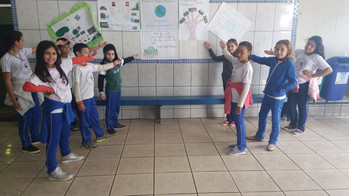 Trabalho sobre o Meio Ambiente dos alunos do 5º ano, Escola Bento, Prof. Lídia