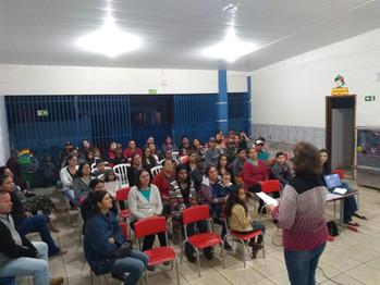 Escola Bento realiza roda de conversa  entre Família e Escola