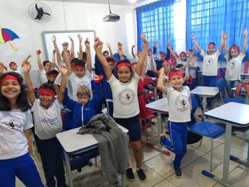 Gincana em comemoração ao dia das crianças na Escola Bento