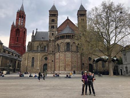 Pelgrimeren in coronatijd dag 20 Scheulder - Maastricht    2 verhalen 1 tocht