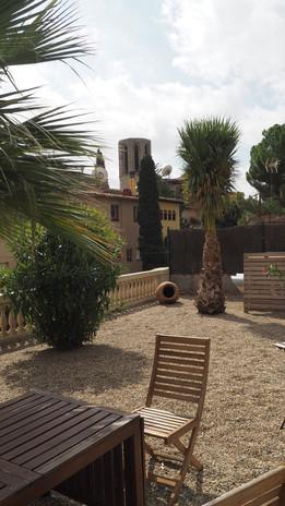Jardin con vistas al Monasterio de Pedralbes