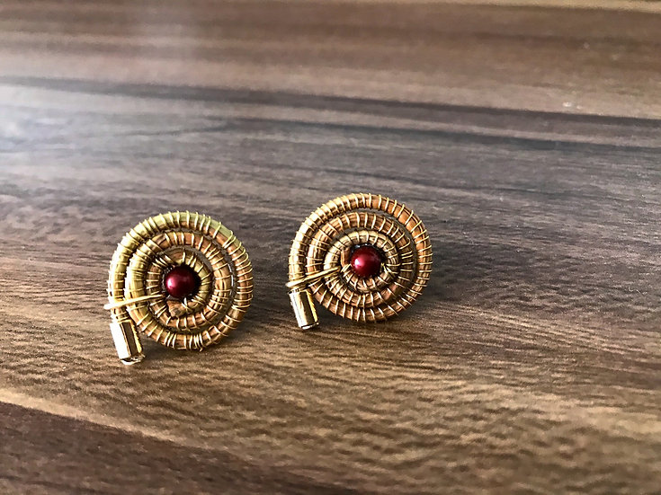 Aretes Caracol Perla Roja