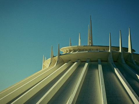 Disneyland_Tokyo_008.jpg