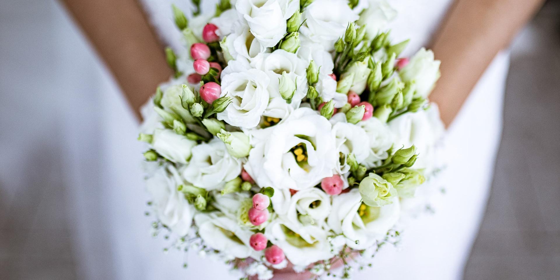 Hochzeitsfotografie, Coburg, Brautkleid, Brautstrauß
