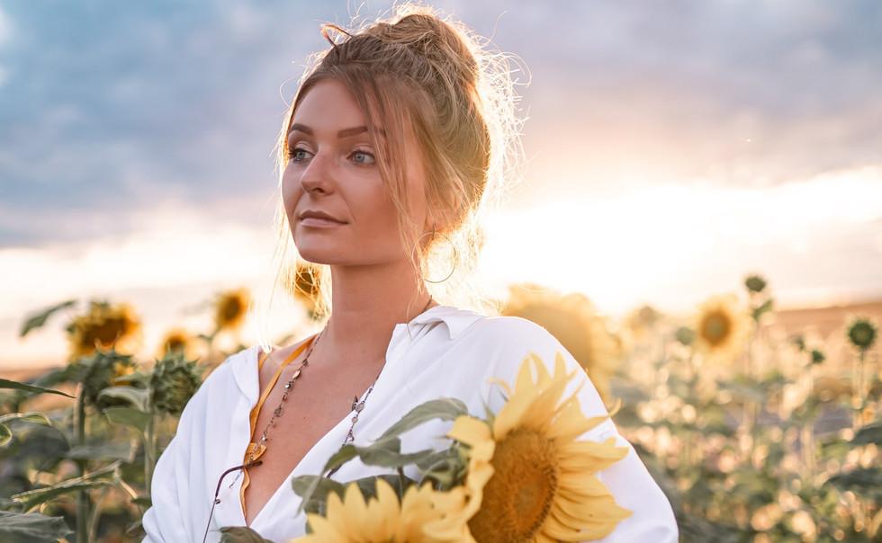 Portraitfotografie, Mädchen, Sonnenblumen, Sommer, Coburg